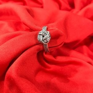 NWOT Sterling silver love knot ring